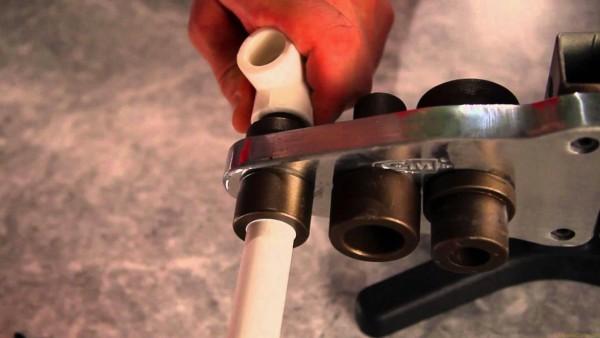 Как проходит замена труб в многоэтажном доме