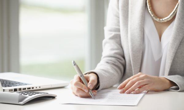 Как выписаться из квартиры с долгами?
