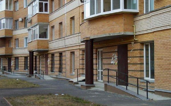Плюсы и минусы квартиры на первом этаже