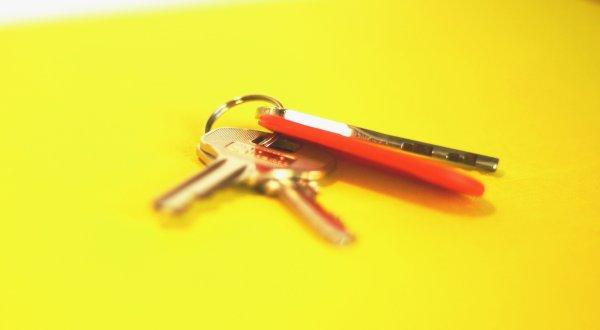 Можно ли не платить по ипотеке и не делить жилье